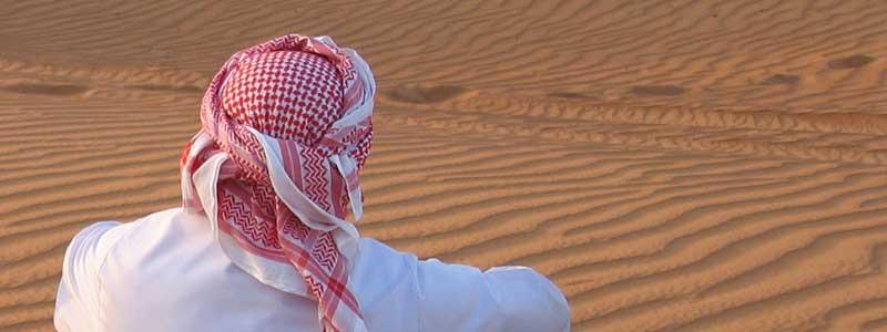 Scheich in Wüste
